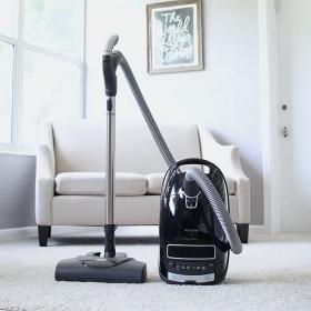 0086403_miele-kona-complete-c3-vacuum