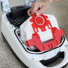 0091512_miele-compact-c1-pure-suction-vacuum